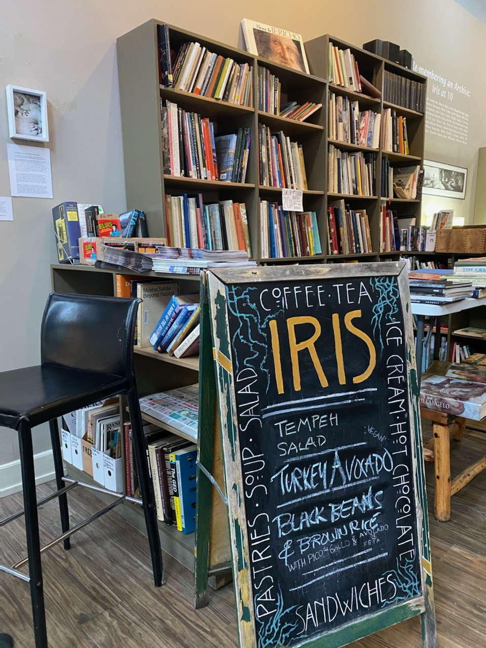 Iris Bookcafe in OTR