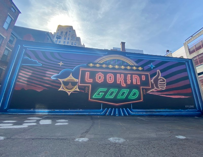Lookin' Good mural in Cincinnati, Ohio
